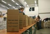 Tisch_mit_Paketen